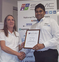 Cheryl Hird thanks Dhiren Naidoo after the presentation.